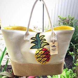 Handbags - HUGE FABULOUS PINEAPPLE 🍍 LINED BEACH 🏖 TOTE